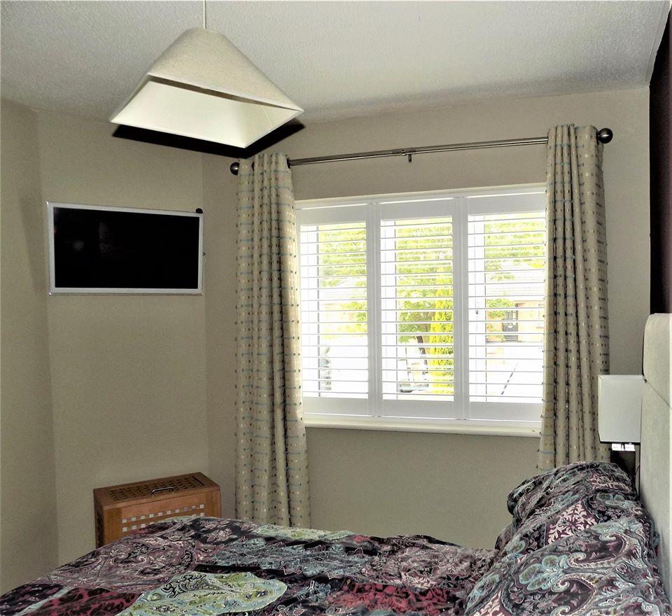 Bedroom-Shutters-Silk-White
