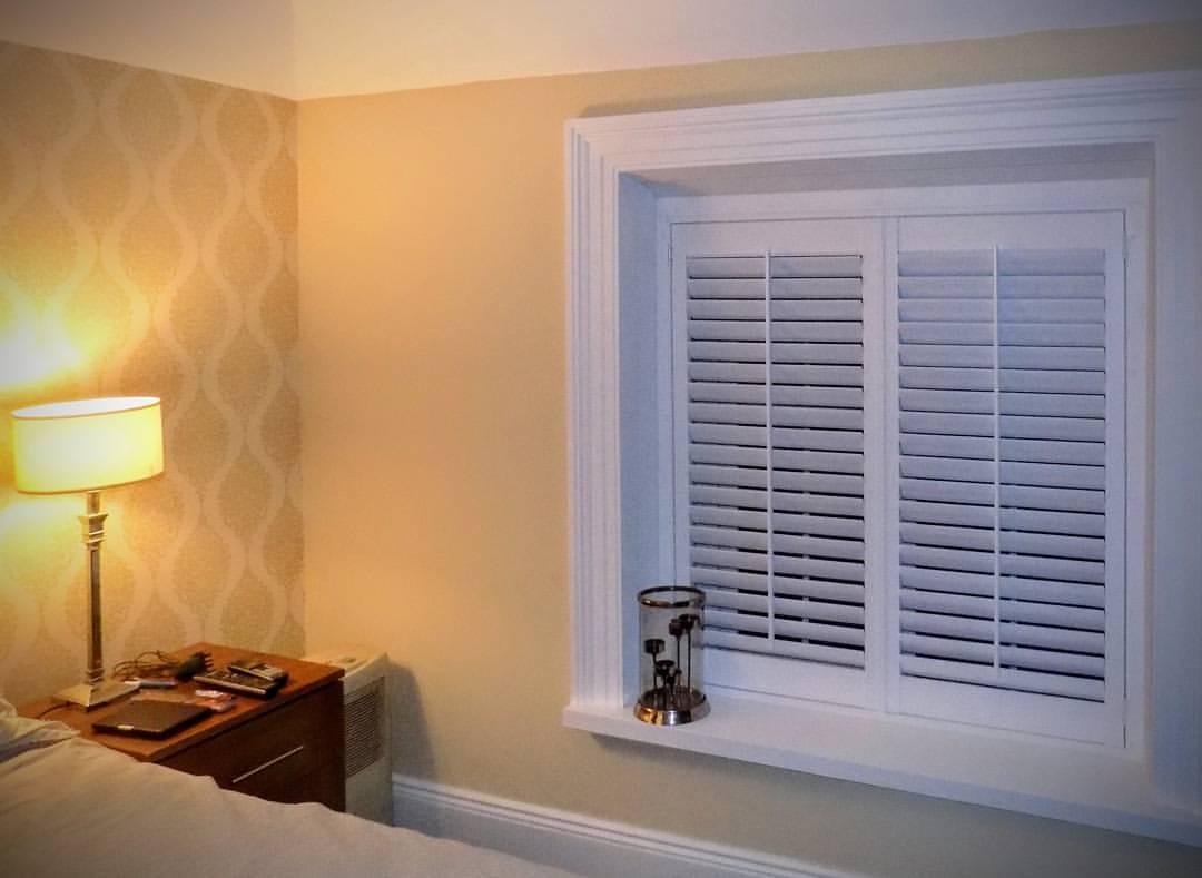 Bedroom recess window-shutters