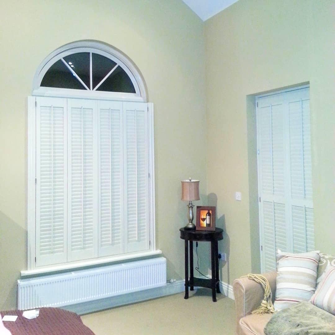 Arch window Half shutter